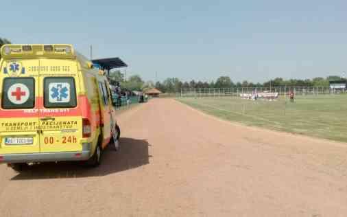 Dežurstvo sa specijalno opremljenim Help Trans 011 sanitetskim vozilm na sportskoj manifestaciji 01